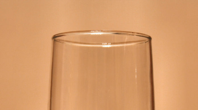 Glass half full - commons.wikimedia.org