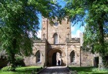 Durham University - Durham Castle Eingang = commons.wikimedia.org