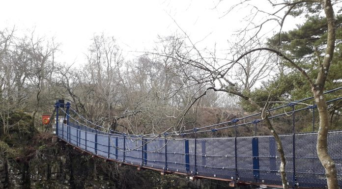 Wynch Bridge reopens 1