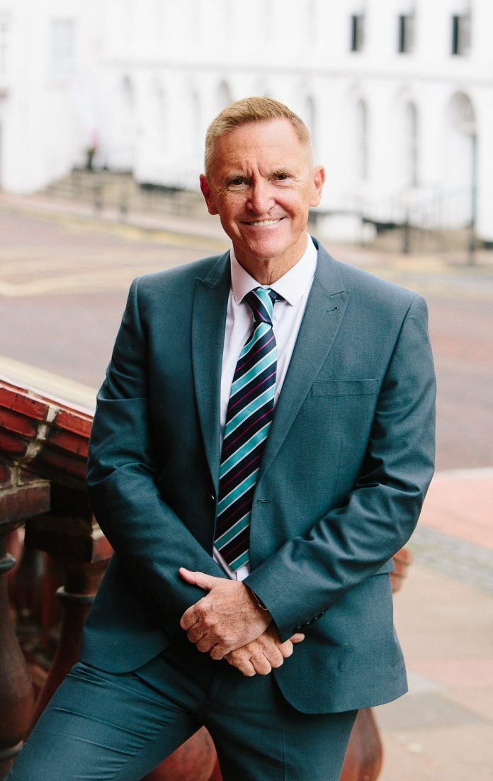 Chief Executive Of Leading Council Announces Retirement